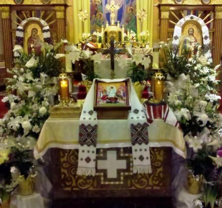 St. Vladimir UGCC, Scranton PA - Easter Sunday Velekdayn.jpg