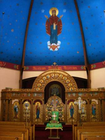 St Michael Shenandoah Interior 2.jpg